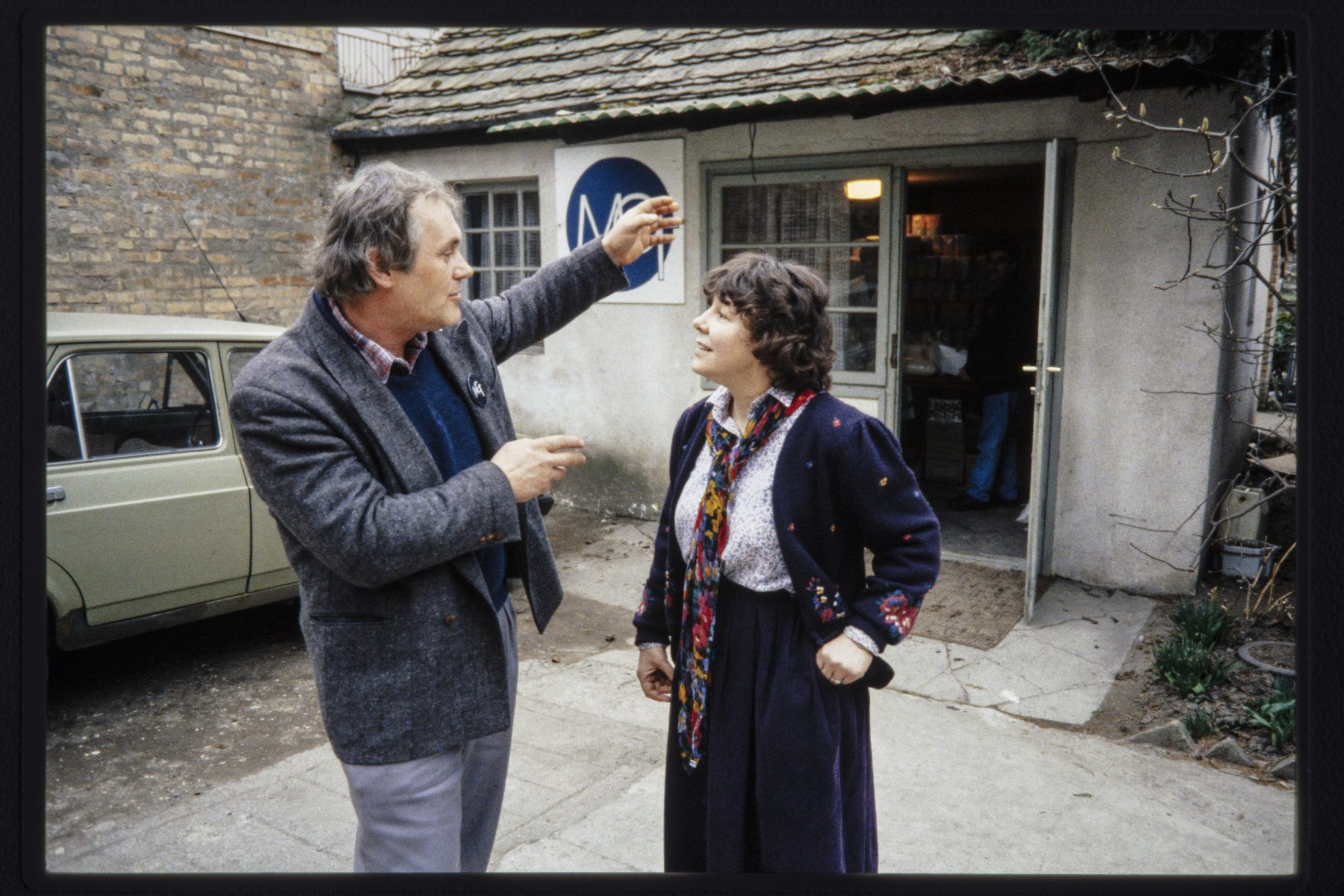 Nela Williams talks with Josip Deak, a Baptist layman who works with Getsemani Mission, a Baptist organization doing relief ministry in the war zone around Moscenica.
